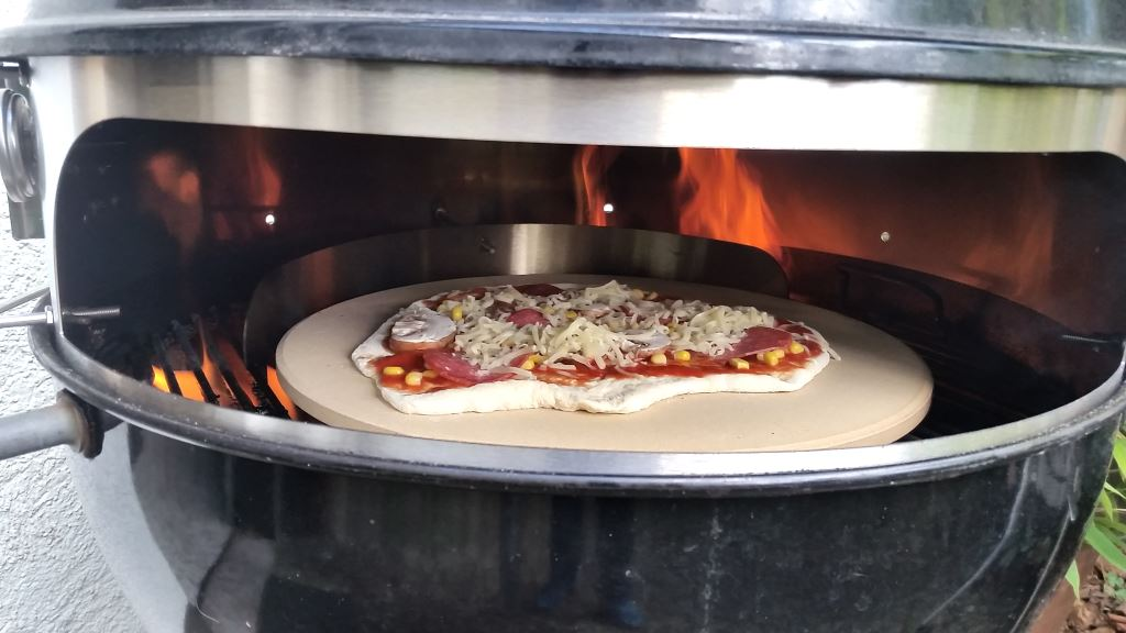 Enders Gasgrill Pizza : Moesta smokin pizzaring im test das ultimative grillzubehör